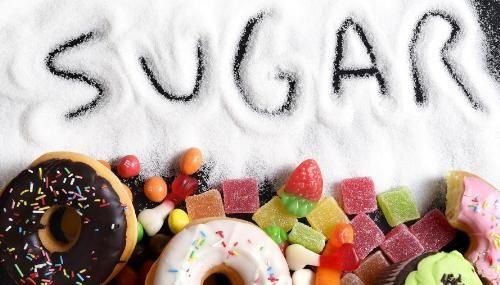 Không chỉ tăng cân, cơ thể còn có những phản ứng tồi tệ sau khi bạn ăn quá nhiều đường