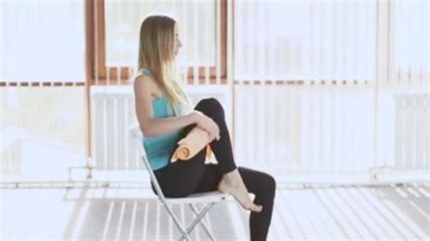 Chỉ cần 1 chiếc khăn tắm có thể giúp bạn giảm đau khớp gối nhanh chóng