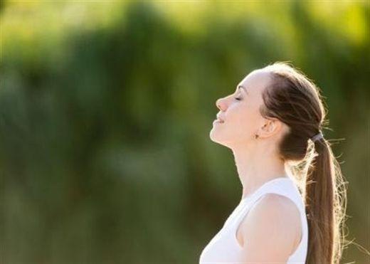 Để trở thành người luôn hạnh phúc, bạn chỉ cần tập 4 động tác dưới đây trong vòng 30 giây