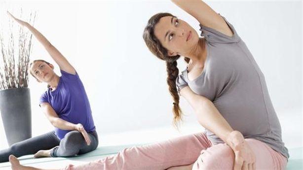 Tập yoga để lấy lại vóc dáng sau khi sinh
