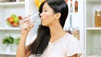 Cơ thể bạn sẽ phản ứng như thế nào khi ngừng uống nước