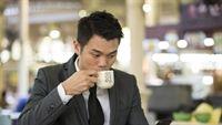 Dân văn phòng uống cà phê: Không còn lo răng vàng!