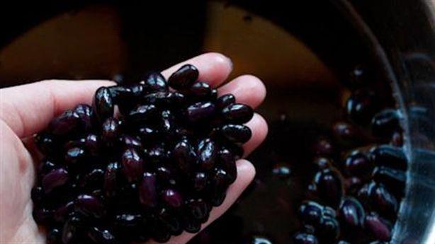 Bạn có biết công dụng của nước đậu đen rang?