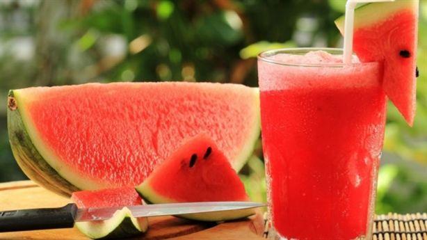 10 lý do để bạn uống 1 ly nước ép dưa hấu mỗi ngày