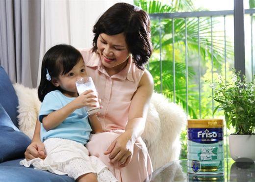 4 phương pháp chữa táo bón cực hiệu quả cho bé