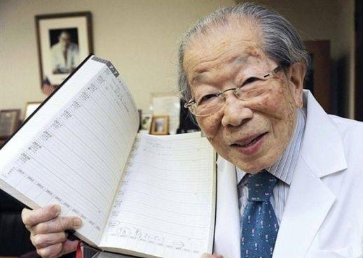 Làm thế nào để sống thọ đến 105 tuổi như Huyền thoại Y học người Nhật Bản?