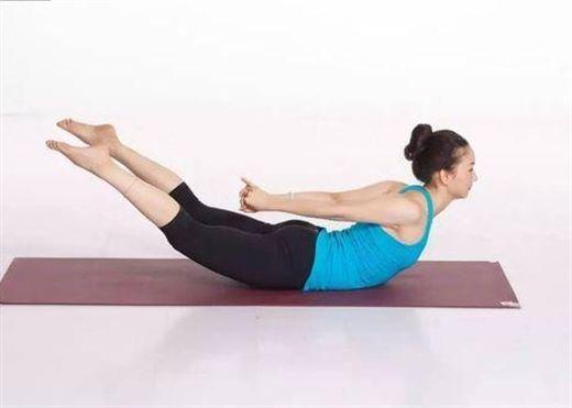 Chỉ bằng động tác Chim yến bay trong yoga bạn có thể chữa khỏi đau lưng, thoát vị đĩa đệm...
