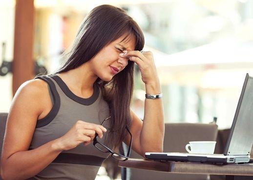 Đừng bỏ qua những dấu hiệu này bởi có thể bạn đang gặp căng thẳng kéo dài