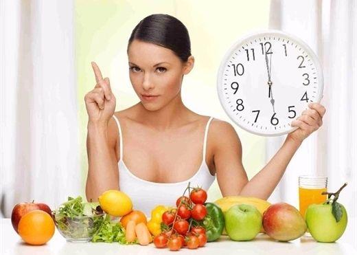 11 thực phẩm ăn sai thời điểm có thể gây hại cho sức khỏe