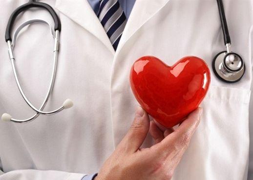 Phát hiện mới cảnh báo điều trị ung thư vú làm tăng nguy cơ tử vong do đau tim