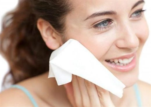 Cách chọn sữa rửa mặt và nước tẩy trang phù hợp với từng loại da