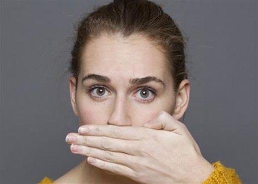 Biết ngay sức khỏe ra sao thông qua mùi hơi thở với mẹo cực hay