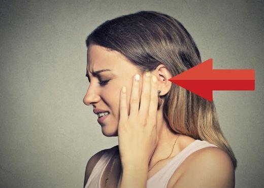 Côn trùng bay vào tai: Cần làm gì?