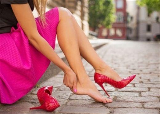 Giày cao gót: Lợi bất cập hại