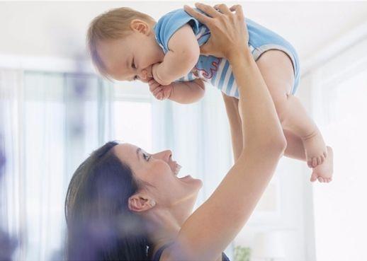 Cùng vui với bé sơ sinh