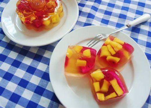 Tự làm thạch rau câu hoa quả ngon tuyệt cho trẻ nhỏ