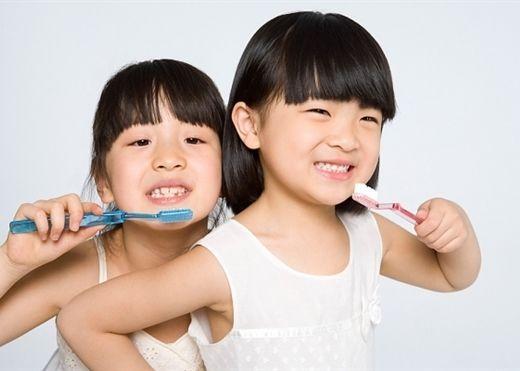 Đánh răng mỗi ngày mà sai quy tắc thì cũng bằng không