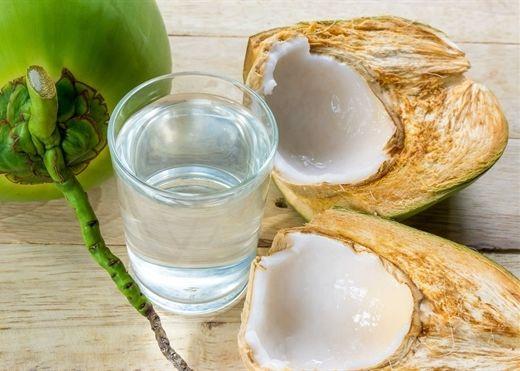 Vì sao đừng quá lạm dụng nước dừa?