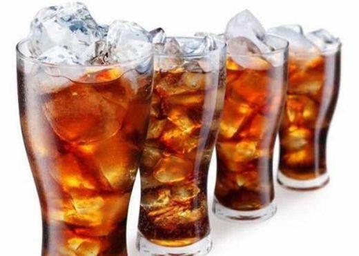 Cơ thể chúng ta thay đổi ra sao sau 60 phút uống nước ngọt?