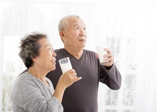 Giải pháp hữu hiệu cho người già mất ngủ