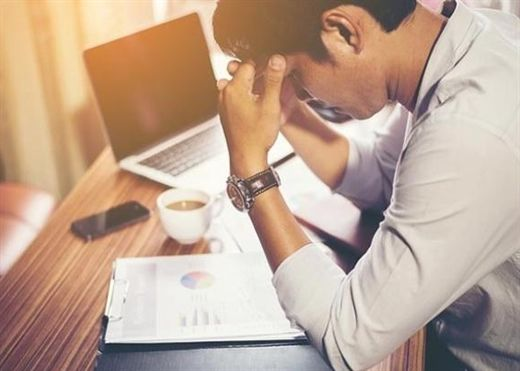 Làm việc nhiều giờ là thói quen lặng lẽ khiến bạn mắc bệnh tim mạch