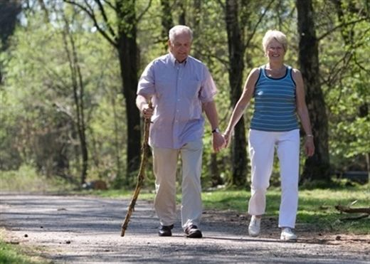 Bị thoái hóa khớp gối có nên đi bộ để cải thiện sức khỏe