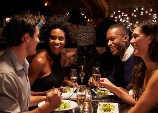 Ăn tối trước 9 giờ hoặc ít nhất 2 tiếng trước khi đi ngủ giúp giảm nguy cơ ung thư