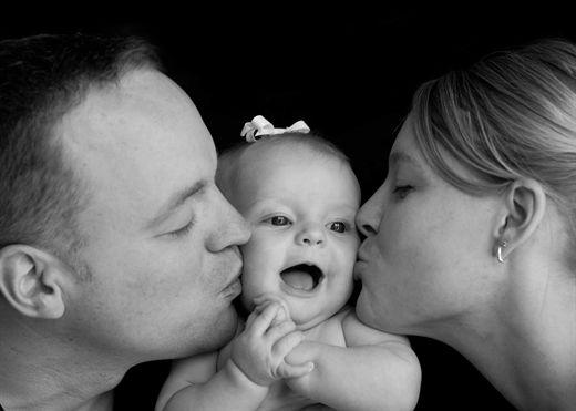 Top 4 căn bệnh dễ lây nhiễm qua nụ hôn