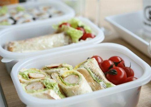 Tại sao không nên sử dụng HỘP NHỰA để đựng thức ăn?