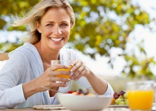 3 chất dinh dưỡng 'không thể thiếu' nếu phụ nữ muốn trẻ đẹp sau tuổi 40