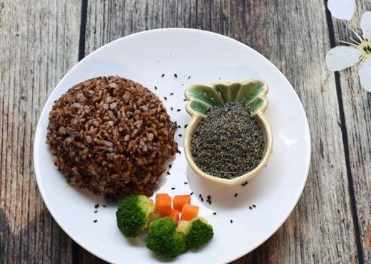 Thực hư… gạo lứt muối vừng