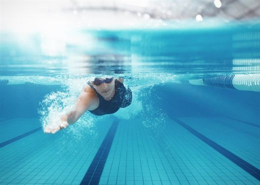 4 lợi ích không ngờ của bơi lội với sức khỏe não bộ