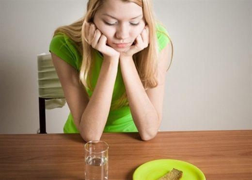 Nhịn ăn giảm cân gây suy nhược cơ thể, tiềm ẩn nhiều bệnh nguy hiểm
