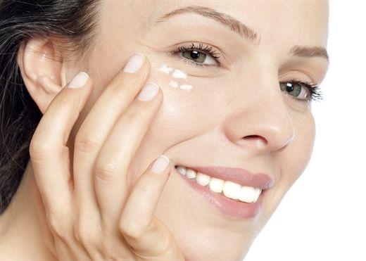 Cách đánh bay nếp nhăn vùng mắt hiệu quả ngay tại nhà