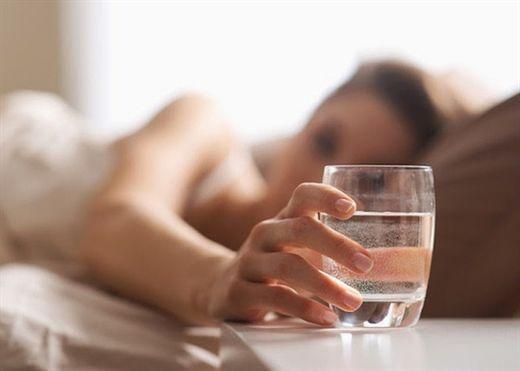 Uống nước khi bụng rỗng thải độc tố cơ thể, hỗ trợ giảm cân