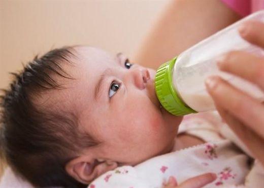 Để trẻ không bị dị ứng sữa