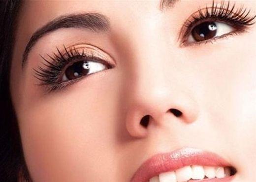 Nắm giữ 8 bí quyết sau sẽ giúp bạn có đôi mắt to, sáng đẹp hơn