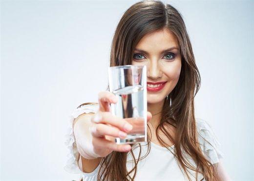 5 thời điểm uống nước tốt nhất cho cơ thể và làn da của bạn