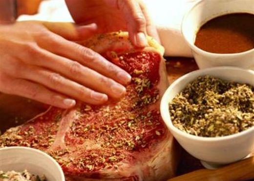 Dùng gia vị sai cách, món ăn mất hết chất dinh dưỡng , hóa độc hại