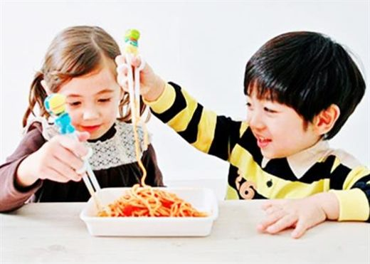 Trẻ dùng đũa có thông minh hơn?