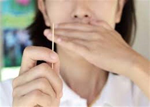 Những nguy hại khi sử dụng tăm xỉa răng mà bạn chưa biết
