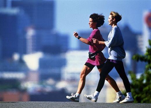 Từ U40 trở đi mỗi ngày đi bộ 10 phút sẽ ngăn ngừa các bệnh về khớp