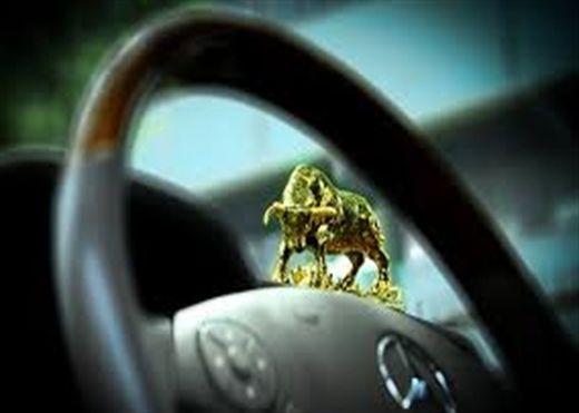 Những vật phẩm nên treo trong xe ô tô để đem lại may mắn, bình an