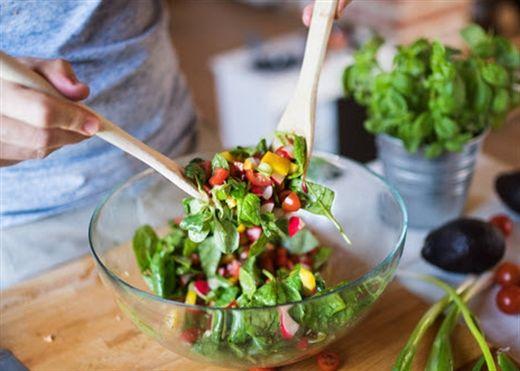 """Hướng dẫn chị em làm 3 món salad rau củ quả """"thanh nhiệt"""" mùa hè cho cả gia đình"""