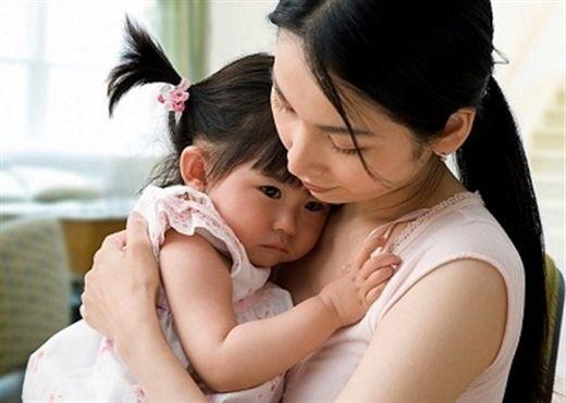 Nhà có con gái, bố mẹ nhất định phải dành thời gian căn dặn giải thích những điều này