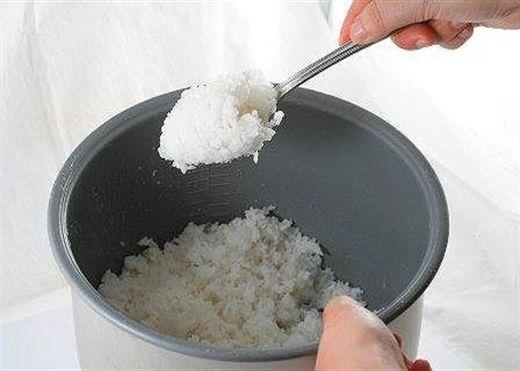 Những loại thực phẩm không nên hâm lại để ăn tránh gây hại sức khỏe