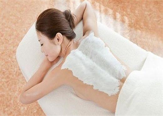 Chuyên gia cảnh báo tắm trắng có thể gây ung thư da