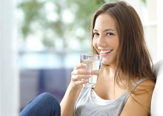 8 cách siêu đơn giản mà vô cùng hiệu quả giúp nhắc nhở bản thân uống nhiều nước hơn