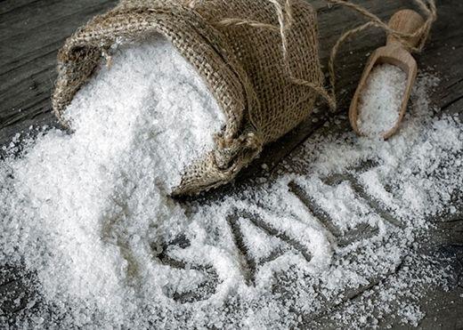 Những dấu hiệu báo động cơ thể bạn đang dư thừa quá nhiều muối