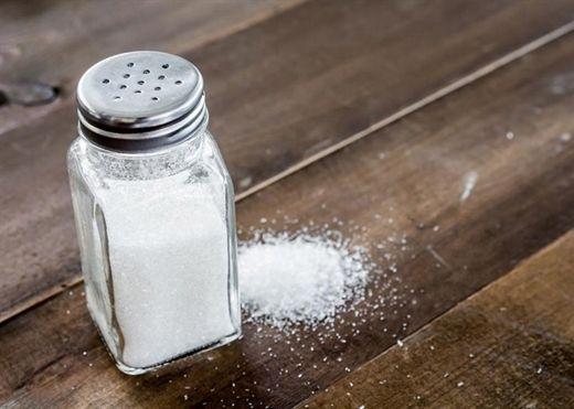 Ăn quá nhiều muối có thể gây ra hàng loạt bệnh nguy hiểm cho sức khỏe